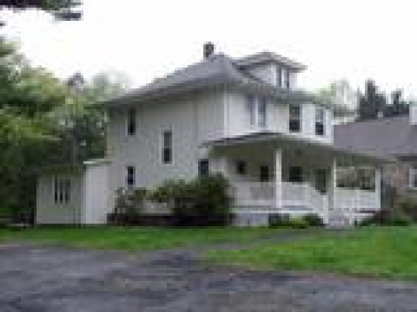 Rental - Beautiful, Old and Charming 4 Bedroom 2 Bath Home!